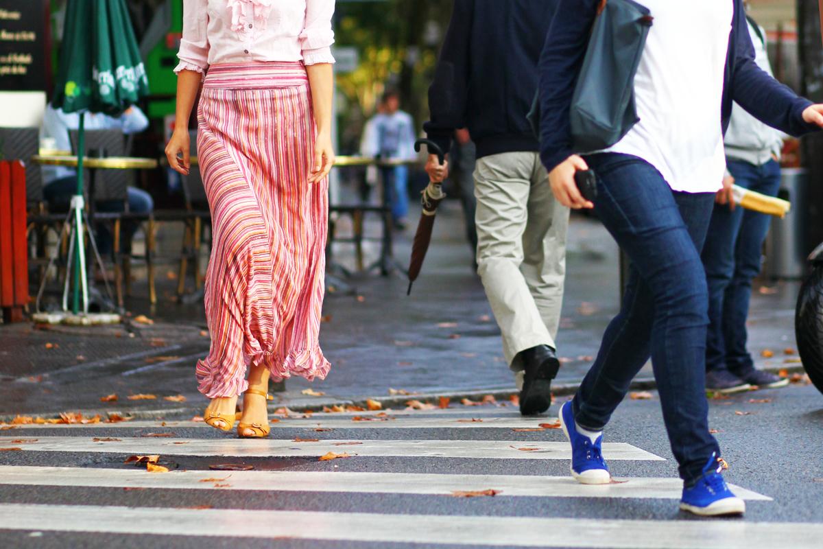 passage pietonne jupe pantalon