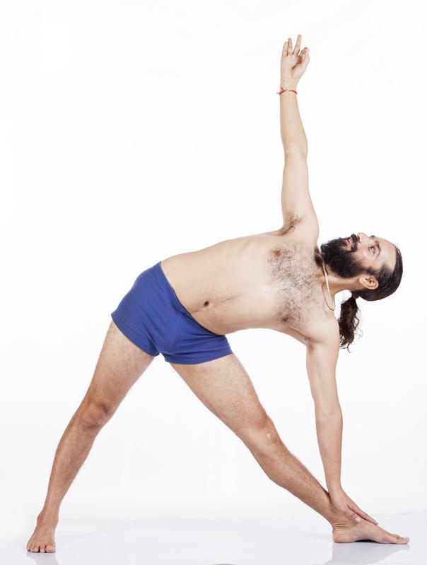 utthita trikonasana yoga&vedas