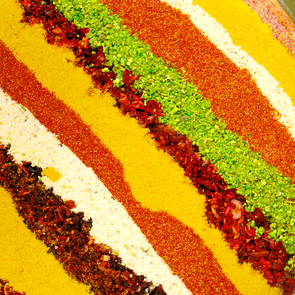striped background (spices)