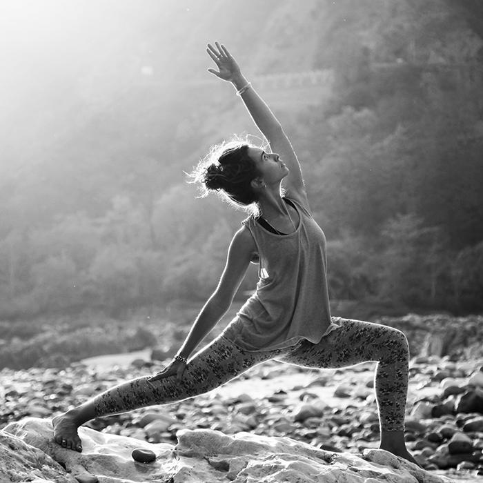 yoga guerrier posture asana virabhadrasana