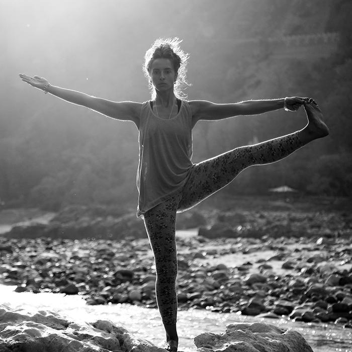 asana posture yoga acceptation arbre