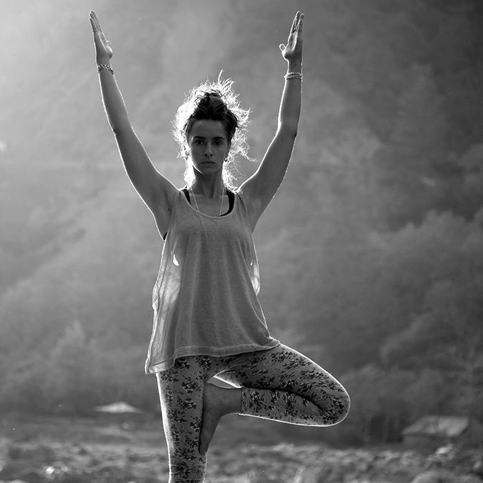 yoga arbre vrikshasana asana posture