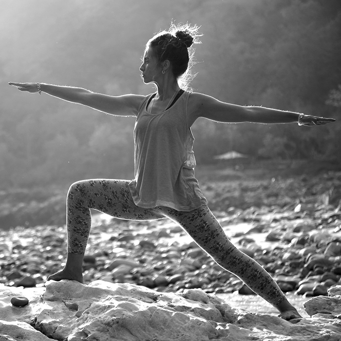 yoga guerrier asana posture mahavirabhadrasana virasana