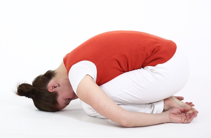 postures pitta ayurveda yoga feriel balasana enfant repos