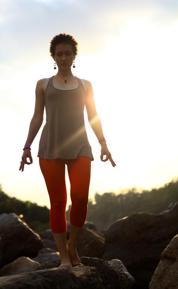 maitri yoga matin feminin sacré